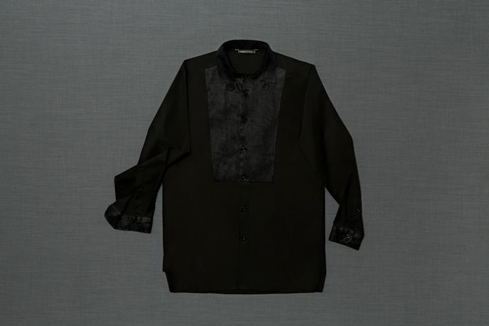 shirtstudio_mod-013_sebastian_bl_02_partic-1