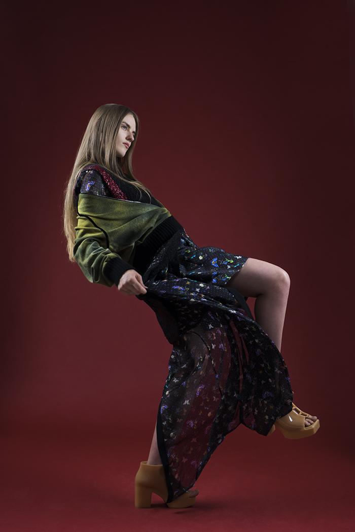 NINA abito: Piccione. Piccione tricot : Pierantonio Gaspari giubbotto: Avant Toi scarpe: Melissa